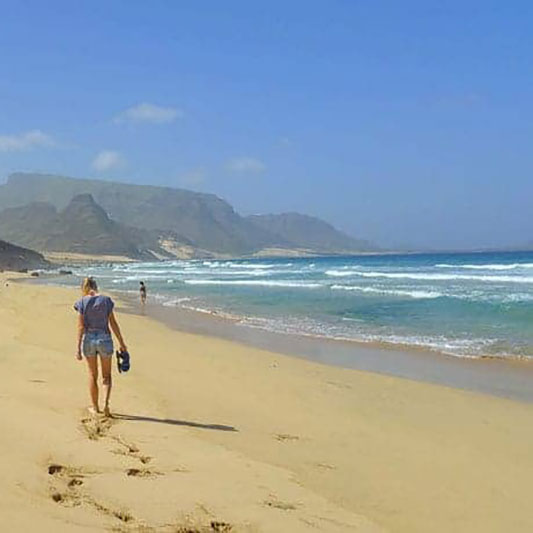 mindelo-cabo-verde-cape-verde-what-to-do-sao-vicente-hiking-food-restaurant-marina-boat-party-music-shopping-outdoor-trekking-5